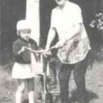 Vaula äiti ja polkupyörä 1965